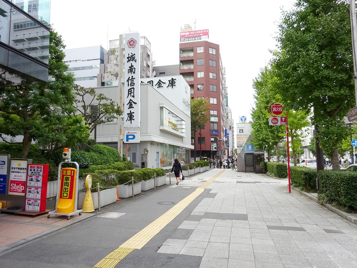 新横浜美容外科JRルート07