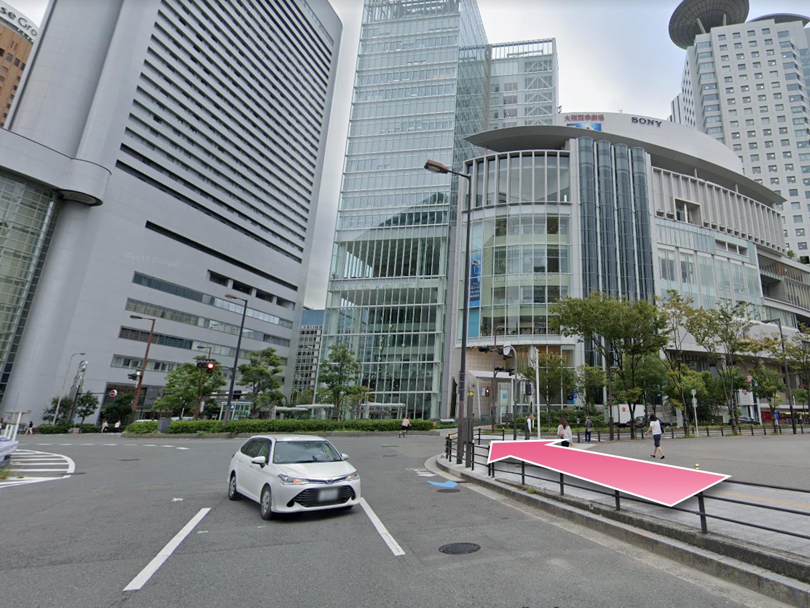 東京中央美容外科梅田院大阪駅ルート03